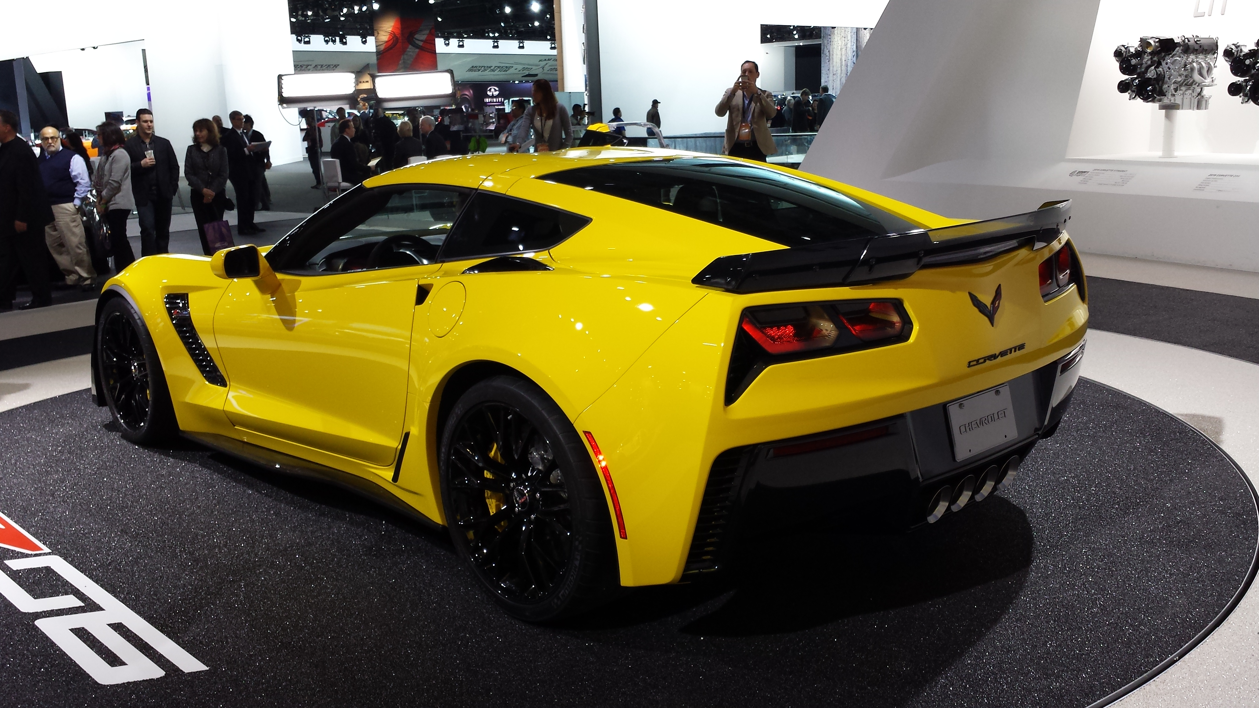 the chevrolet corvette stingray 2015 the wheels and. Black Bedroom Furniture Sets. Home Design Ideas